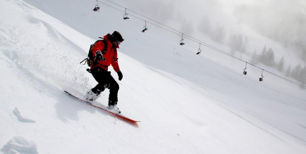 Skiers, Why You Need to Try Snowboarding