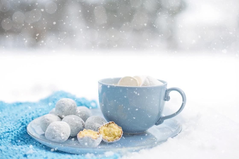 12 Cozy and Warm Winter Treats to Enjoy the Season
